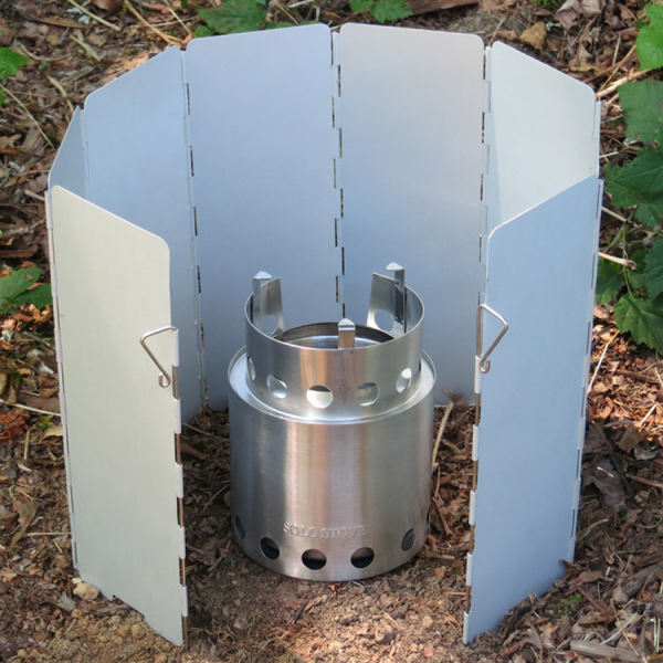 Solo camp stove wind protection
