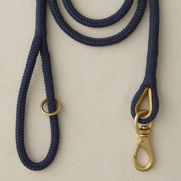 A marine boat rope leash Navy Blue
