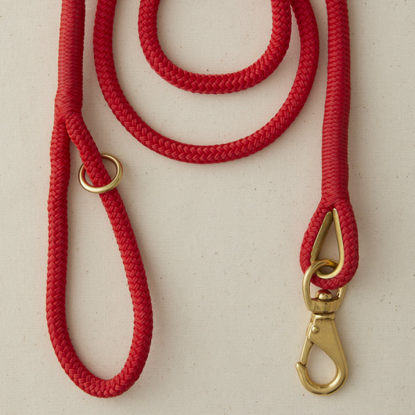 A marine boat rope leash Red