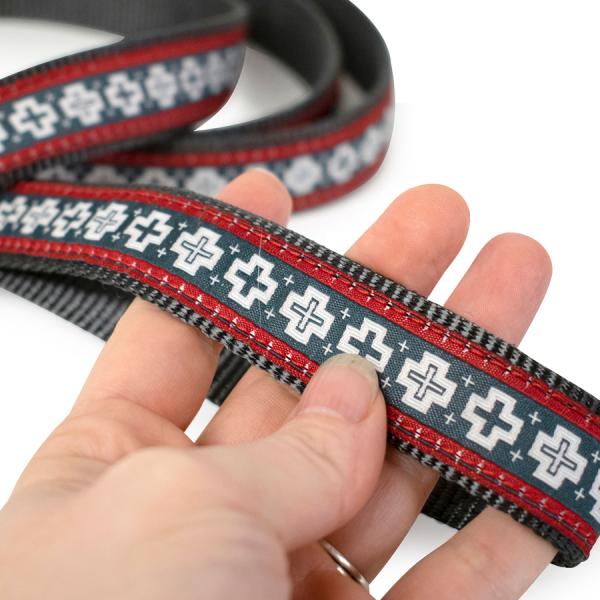 Pendleton® Pet San Miguel Leash handle