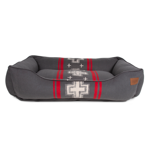 Front of the Pendleton® Pet San Miguel Kuddler poly fill bed