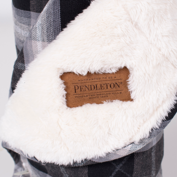 Pendleton logo on Charcoal Ombre Throw