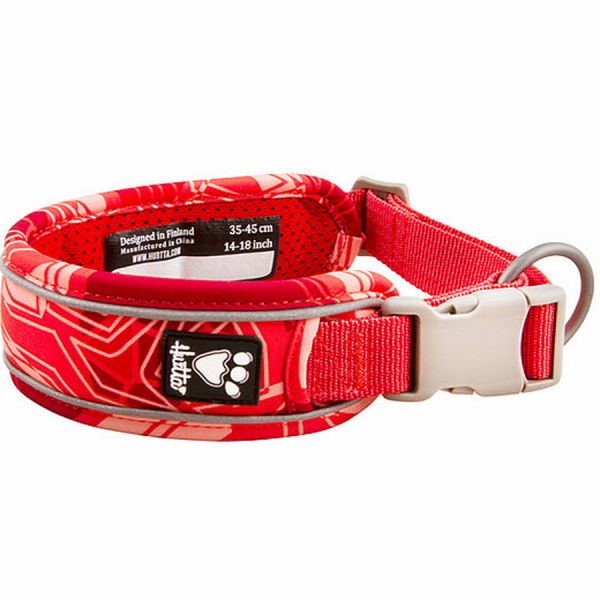 Closeup of a Coral Camo Hurtta dog collar
